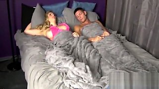 Stepmom wants fuck before she sleeps because dad is not able to fuck like i does