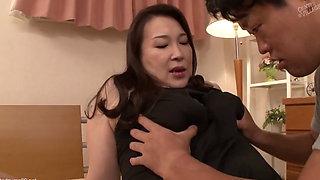 MATURE JAPANESE FUJIKO NAKAMURA FUCKS YOUNG MAN