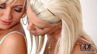Two Blonde Babes In Hot 69
