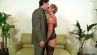 Bigtit mature cougar Honey Ray gets fucked hard before