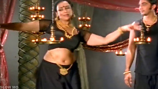 Shwetha_Menon_Hot_Song___Slow_Motion(1)