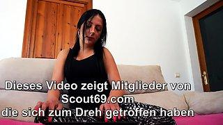 German Curvy Cougar Masturbate while Webcam with Online Date