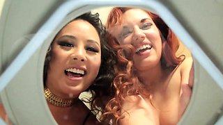 Ginger piss mistress emptying her bladder