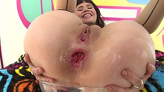 Big ass woman is getting semen in her tight round little bunghole