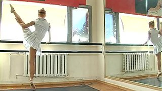 Larisa Kiskina - Gymnastic Video part 1