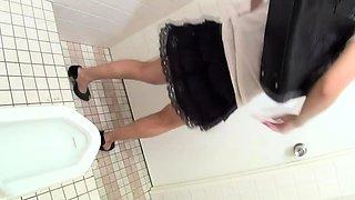 Japanese babes urinating