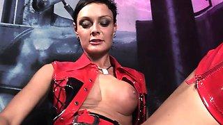 The kinky mistress Sanya Pride loves herself a naughty