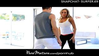 Puremature bigtitted milf seduces her yoga teacher
