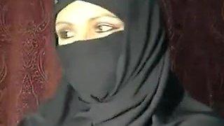 Loveliness Arab-Muslim Brunette Female Don'T Car...