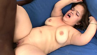 Buxom midget gets drilled by a black bull and trembles with pleasure