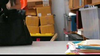 shoplifting 3 girl caught by guard nice koooool video