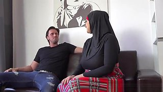 THOMAS FUCKED HIS MUSLIM BUSTY SISTER-IN-LAW