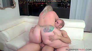 Huge ass bbw gets fucked