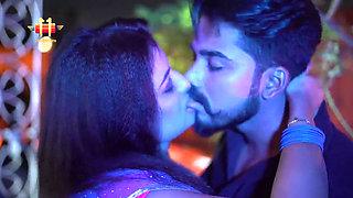 Gali Mein Aaj Chand Nikla 2020 Hindi 720p WEB DL 260MB [DesiFlix]
