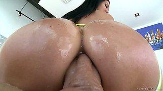 Jasmine Jae's crazy anus is impaled on super big hard penis