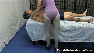 Vanessa Vixon Teaches a Happy Ending Pervert a Lesson