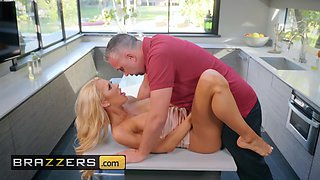 Brazzers - Real Wife Stories - Courtney Taylor Keiran Lee - Courtney Lends A Helping Hand
