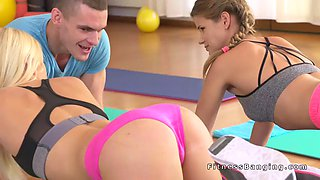 Coach fuckig two babes after training