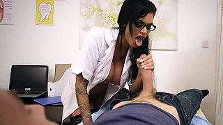 Brazzers - Doctor Adventures -  Open Wide sce
