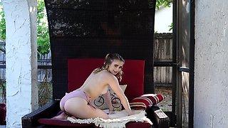 Pale chick Anastasia Knight enjoys pleasuring her wet fuck hole